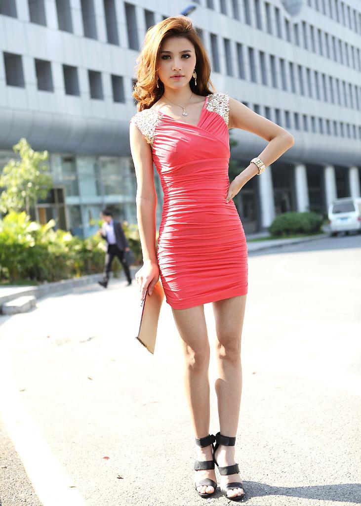 вечерние красные платья.