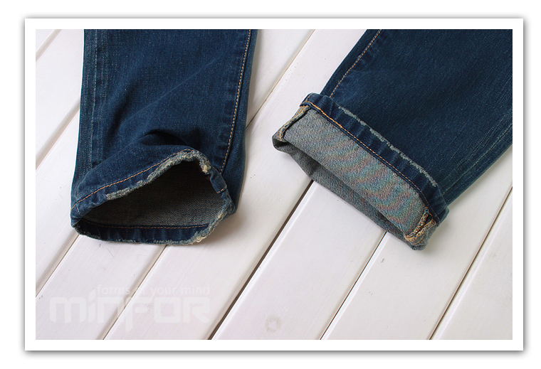 Комментарий: Чёрные рваные джинсы-дудочки.  Shop-round.ru.